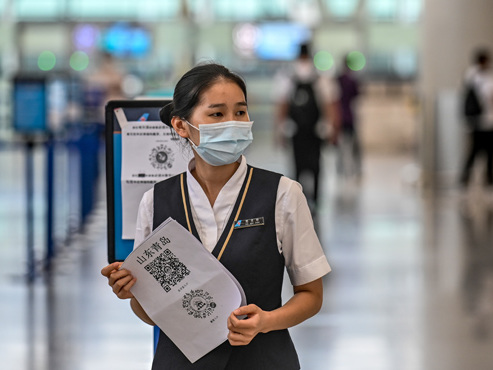 A l'aube de la réouverture des frontières, de nouveaux foyers de coronavirus inquiètent l'Italie et la Chine