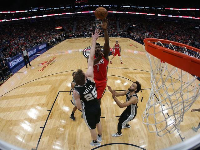 Basket - NBA - Malgré la défaite des Pelicans, Zion Williamson réussit des débuts fracassants