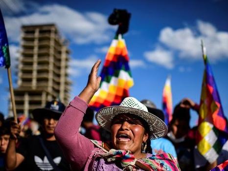 """Bolivie: les pro-Morales dans la rue, l'Eglise catholique appelle au """"dialogue"""""""