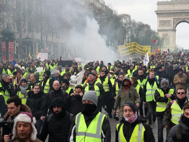 Un gilet jaune perd une main lors d'incidents à Paris