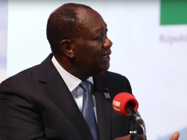 Le président Ouattara défend une monnaie arrimée à l'euro comme le Franc CFA