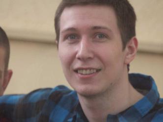 Russie : un acte d'une déplorable injustice conduit deux jeunes militants derrière les barreaux – Par Amnesty International