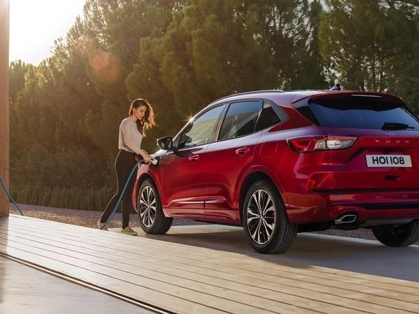 Nouveau Ford Kuga hybride rechargeable: prix dès 38600€