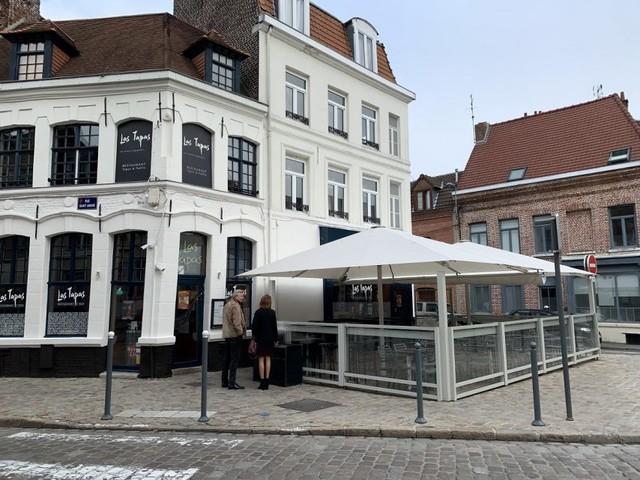 Où sortir à Lille quand il fait froid: le restaurant-bar Las Tapas et sa grande terrasse chauffée