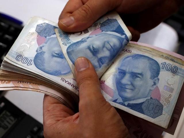 Crise monétaire en Turquie: les réseaux sociaux en payent aussi le prix