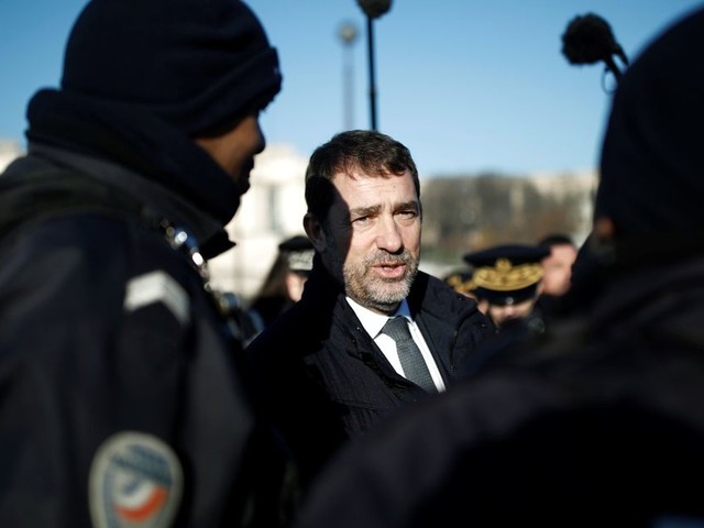 """Castaner en appelle à l'exemplarité et à l'""""éthique"""" des forces de l'ordre"""