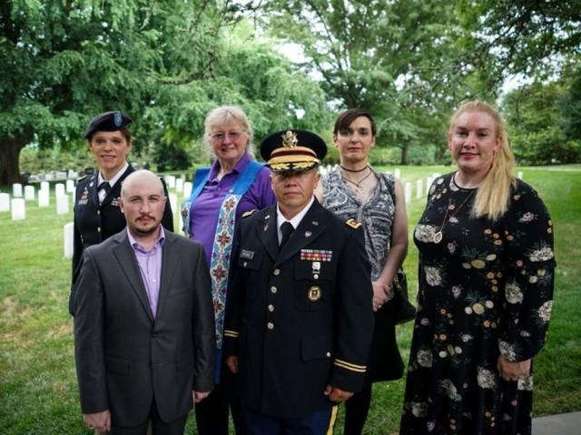 La Cour suprême autorise Trump à bloquer le recrutement de soldats transgenres