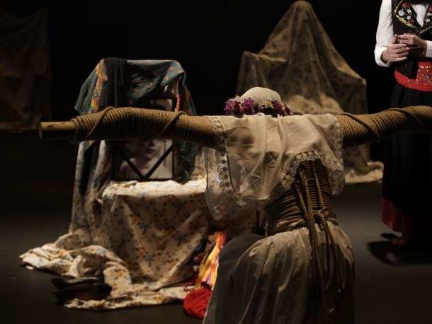 Théâtre: l'ode vibrante d'Angélica Liddell à ses parents