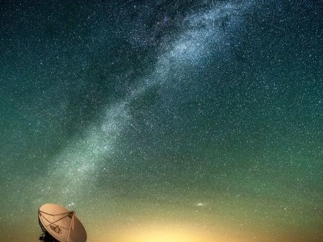 Pour trouver des extraterrestres, ces scientifiques vont écouter le ciel avec un supercalculateur