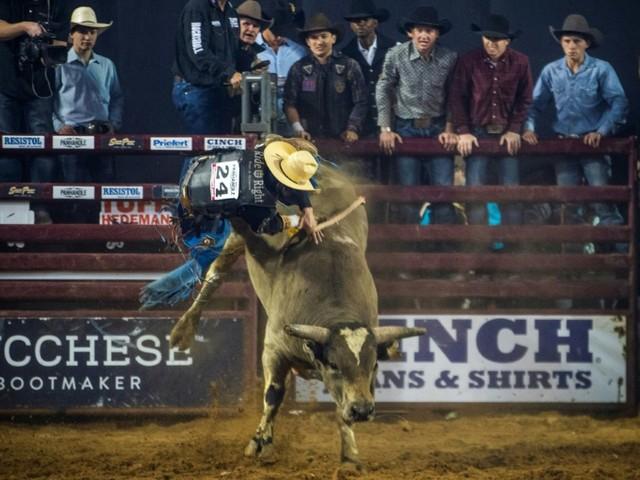 Les 8 secondes les plus longues: au Texas, sur un taureau