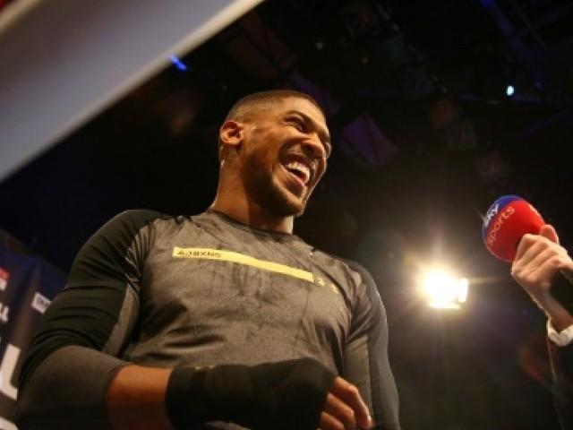 Boxe: Joshua affronte Parker pour une page d'histoire chez les lourds