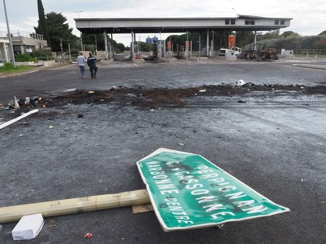 """Saccage du péage Narbonne Sud: """"une bêtise"""" pour plusieurs manifestants jugés"""