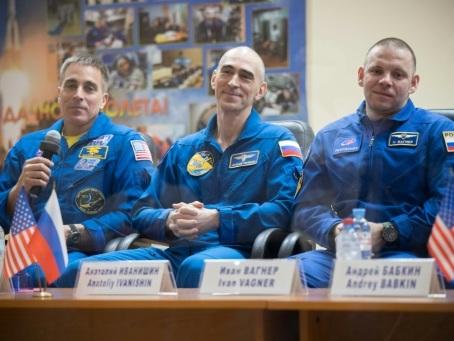 Un équipage spatial quitte la Terre pour l'ISS en pleine pandémie