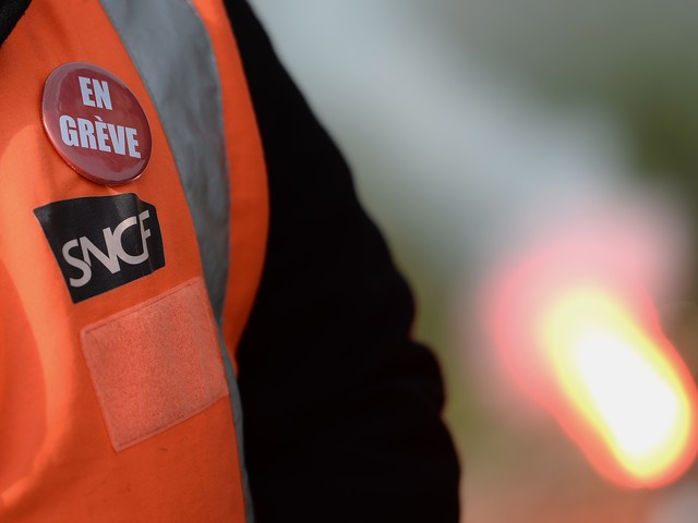 Grève à la SNCF : les syndicats de cheminots appellent à amplifier la mobilisation dès lundi