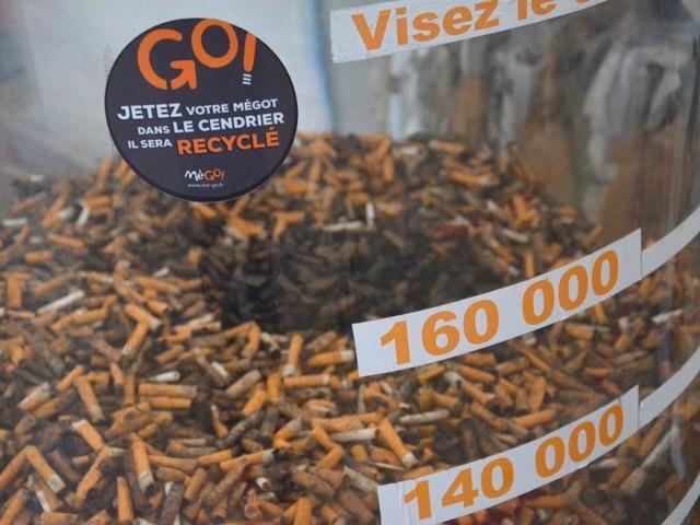 VIDÉO. MéGO!, l'entreprise bretonne qui recycle les mégots de cigarettes en mobilier urbain
