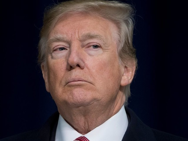 """Procédure de destitution de Trump: des """"preuves accablantes"""" dans un rapport"""