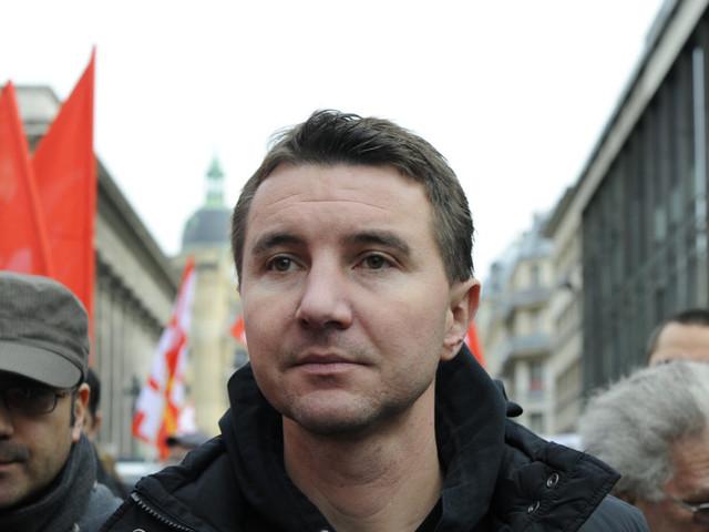 Grève SNCF, manifestation du 22 mars: Olivier Besancenot, facteur d'unité à gauche