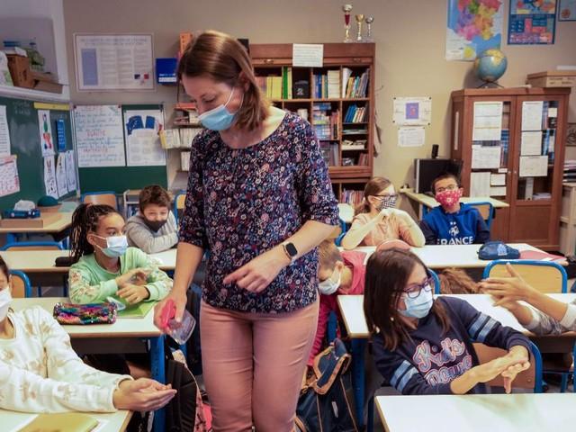Inscription en première secondaire: 50.000 enfants concernés, la ministre de l'Éducation Caroline Désir décrypte la situation