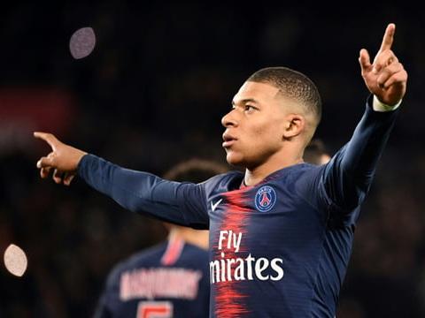 Ligue 1: le PSG domine l'OM 3-1grâce à Mbappé et Di Maria