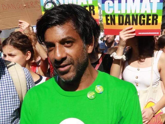 """Municipales : """"Hidalgo n'a aucune tête de liste noire"""", dénonce l'ex-footballeur Vikash Dhorasoo, candidat de La France insoumise"""