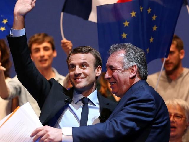 Proportionnelle aux législatives: Macron temporise, LFI pousse pour sa Constituante
