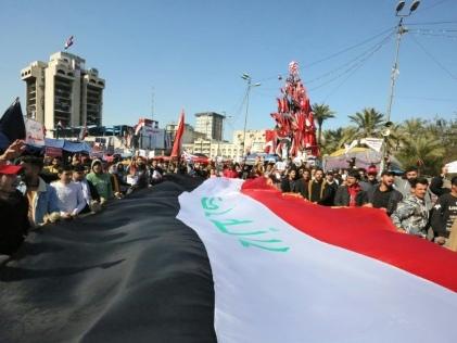 Irak: les manifestants dans la rue malgré les promesses du Premier ministre désigné
