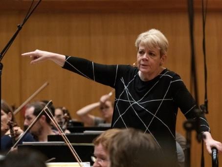 Le maestro est une femme, Vienne fait sa révolution du genre