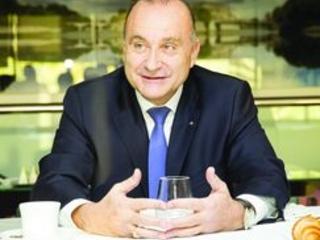 Epargne retraite : le patron d'Axa France critique la réforme