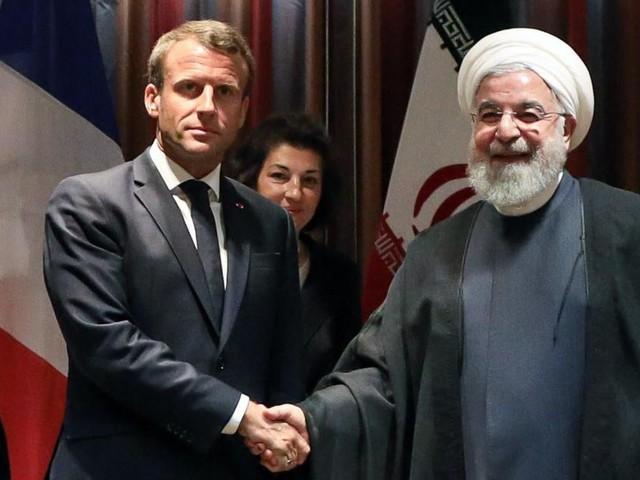 Prenant acte des drames récents, Emmanuel Macron demande au président iranien Hassan Rohani la libération «sans délai» de deux chercheurs français