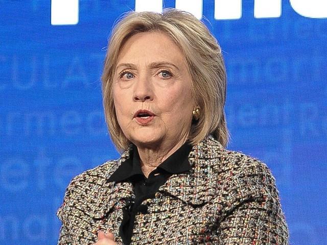 Hillary Clinton attaque Bernie Sanders juste avant les primaires