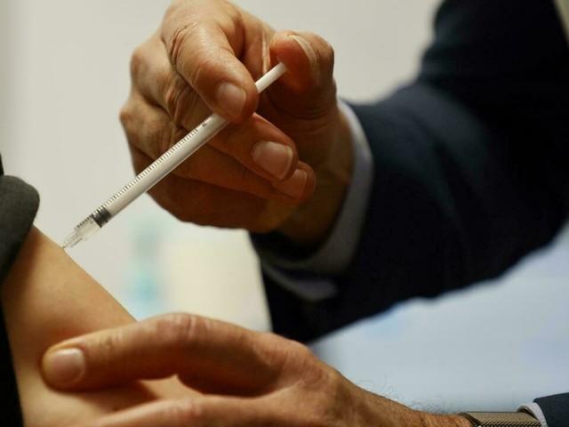 Livraisons de vaccins: AstraZeneca et l'UE mettent fin à leur contentieux