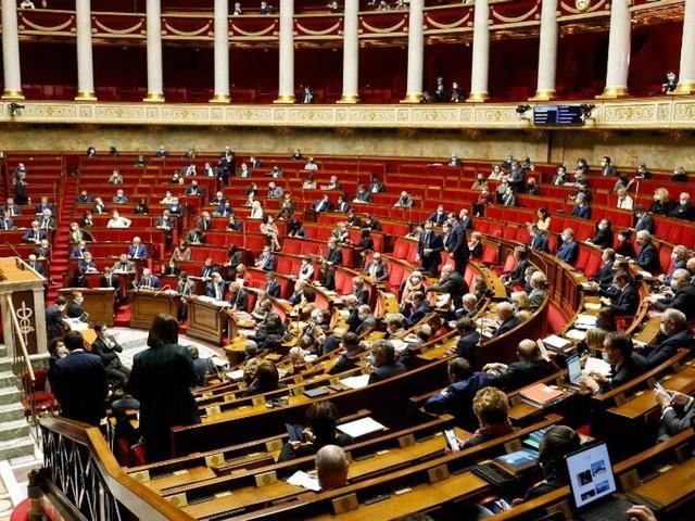 Pass sanitaire étendu: le Parlement adopte définitivement le projet de loi