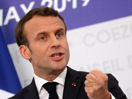 """""""Je ne peux pas rester spectateur"""" : Emmanuel Macron justifie son implication dans la campagne de Nathalie Loiseau aux élections européennes"""