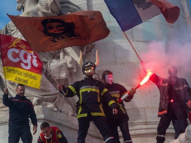 Avant la grève du 5 décembre, des pompiers veulent occuper la place de la République