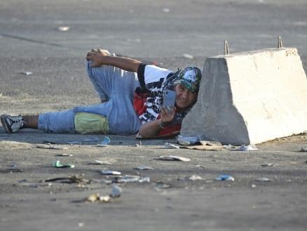 Privés d'internet, les Irakiens trouvent d'autres moyens de raconter la violence