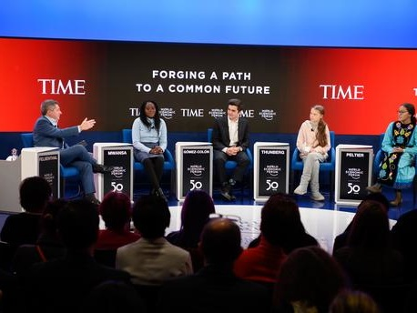 Aux côtés de Greta Thunberg, neuf jeunes militants sur le devant de la scène à Davos