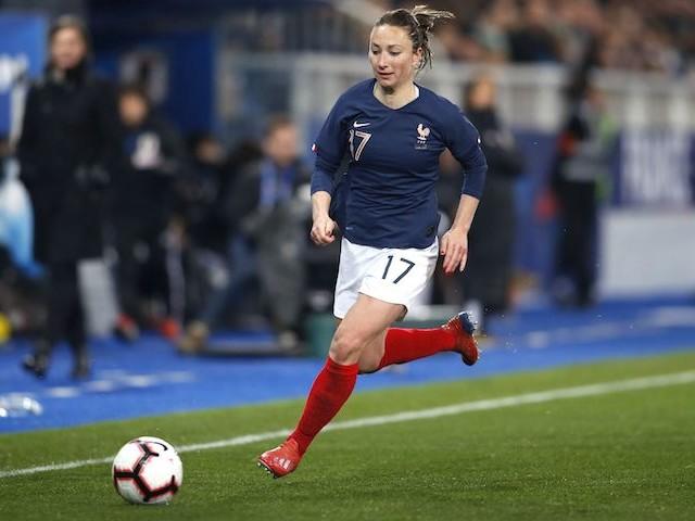 Coupe du monde féminine de football : la différence de salaire entre joueurs et joueuses est-elle un problème ?