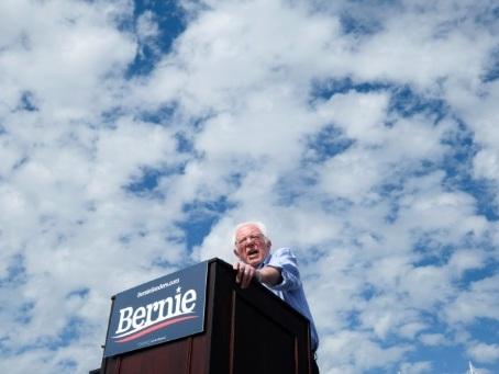 La campagne démocrate s'emballe dans le Nevada, Sanders sous pression