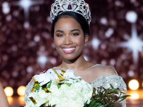 Miss France: ce qui attend Clémence Botino en 2020
