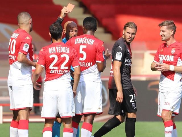 """""""Dans les autres matches, je vois des tacles pires que ça"""", enrage Jardim"""