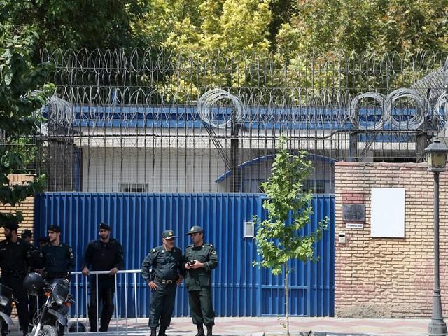 L'ambassadeur du Royaume-Uni en Iran brièvement arrêté à Téhéran