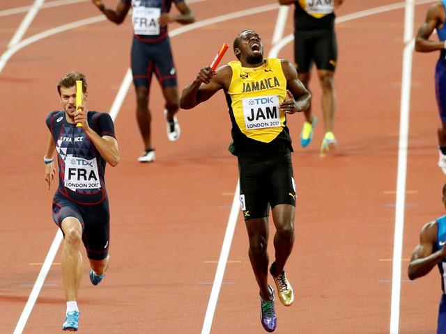 Usain Bolt blessé sur la piste pour la dernière course de sa carrière