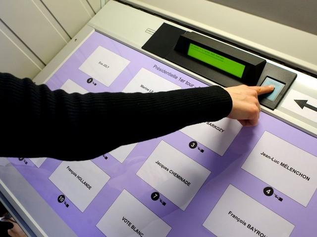 Élections régionales et départementales: pourquoi les machines à voter posent un problème démocratique