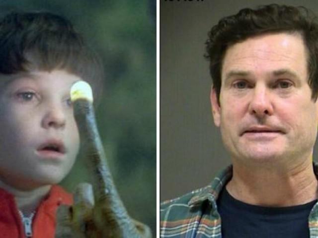 L'enfant star de «E.T.» a bien mal grandi: l'acteur Henry Thomas retrouvé évanoui dans sa voiture après avoir conduit sous influence