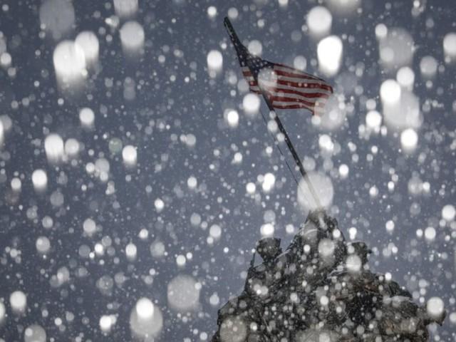 USA: Une tempête hivernale fait 10 morts, un millier de vols annulés