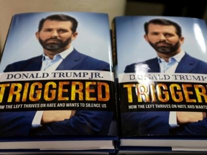 """Le fils aîné de Trump sort un livre provocateur contre les """"hystériques"""" anti-Trump"""