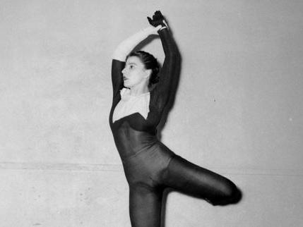 La mort de la danseuse et chorégraphe Françoise Adret