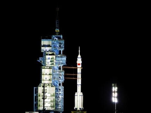 Décollage de la plus longue mission spatiale habitée de la Chine