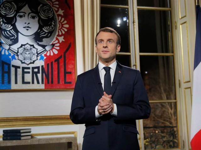 Retraites: face à la grève, que pourrait annoncer Macron lors de ses vœux?
