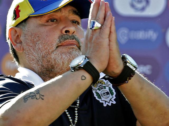 """""""Ils ont tué Diego"""", affirme l'avocat de l'infirmière de Maradona"""